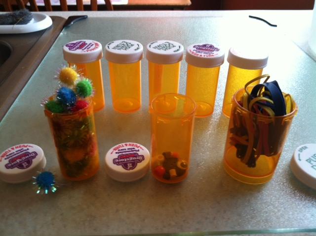 1000 images about pill bottle crafts on pinterest pill for Medicine bottle crafts